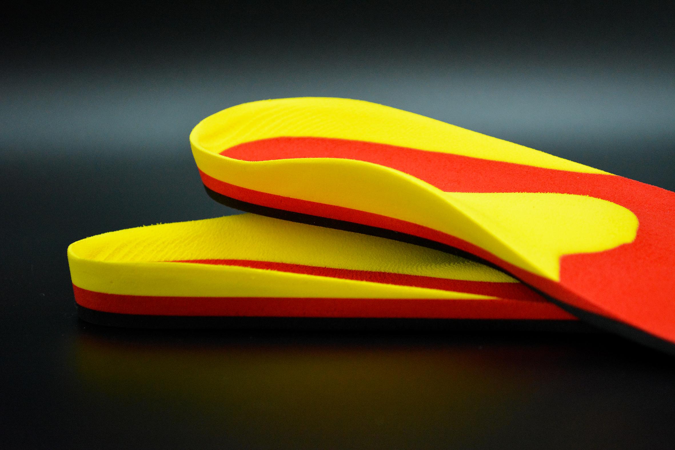 gefräste Sporteinlage aus dreischichtigem Fräsmaterial Lunatec combi CAD 2